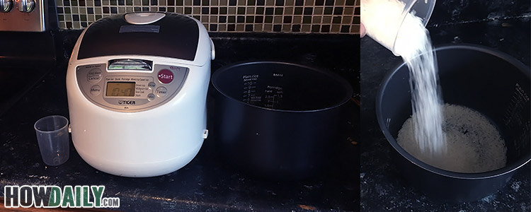 Cooking white rice with a electric cooker - step 1