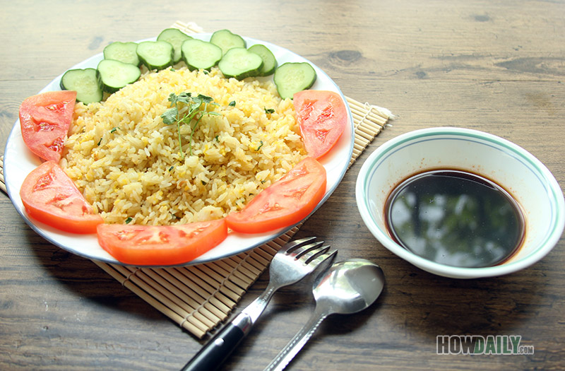 Egg fried rice with chili soy sauce