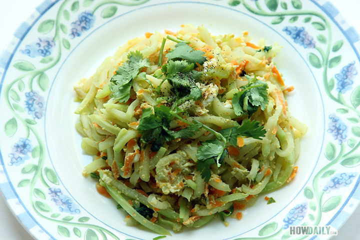 Chayote squash stir fried with egg