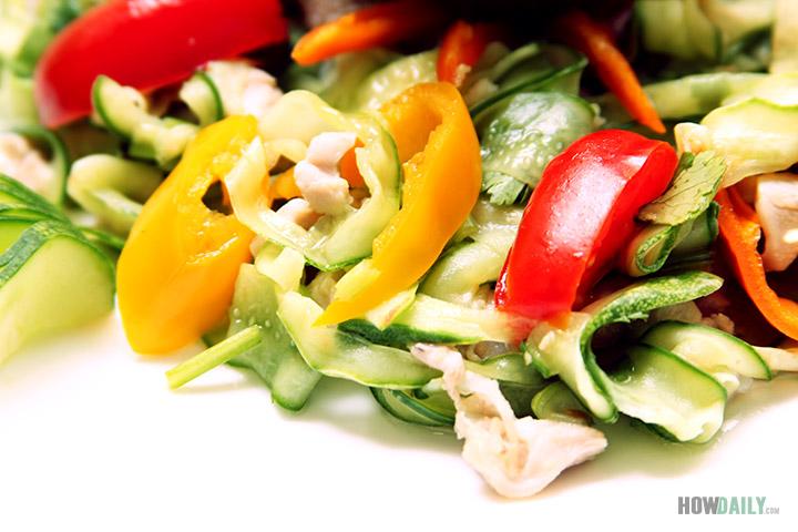 Fresh Chicken Cucumber Salad