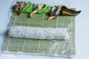 Distribute eel and avocado