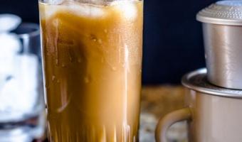Cafe sua da (Vietnamese Iced Coffee)