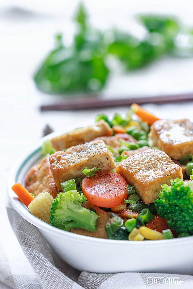 Tofu stir-fry with vegetable