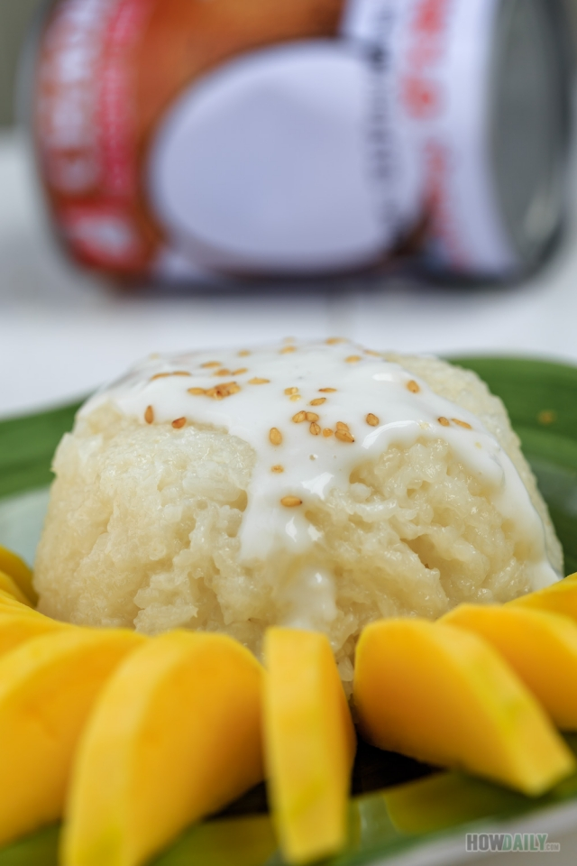Thai Coconut Sticky Rice Pudding with mango