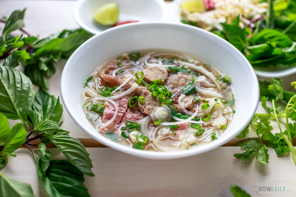 Vietnamese Pho Bo Recipe - Cook Perfect Pho Broth & Beef Noodle Soup