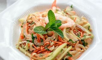 Aloe Vera Salad with Tropical Mango, Shrimps and Jelly Fish – Crunchy fun paradise in a dish