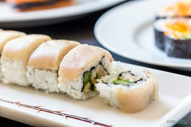 Spicy yellow tail Hamachi roll