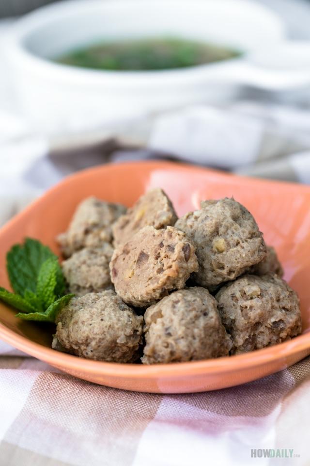 Vietnamese beef meatballs (Bo Vien)