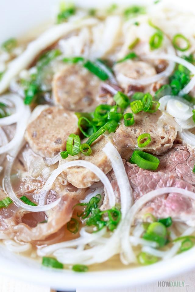 Vietnamese Pho with beef meatballs