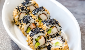 California Sushi Roll with Extra Sesame (Vegan & Fully Cooked)