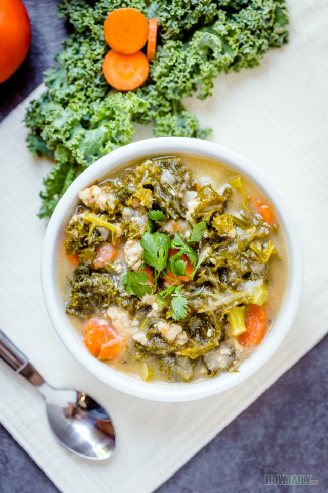 Creamy kale soup with chicken