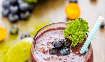 Healthy Matcha Blueberry Smoothie