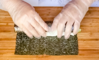 Roll the nori