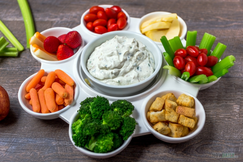Clam dip and veggies
