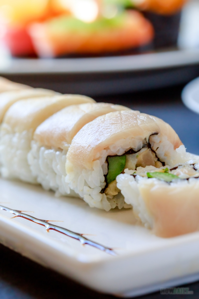 Yellowtail roll (Hamachi roll)