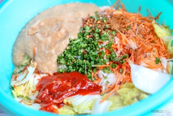 Kimchi mixing bowl