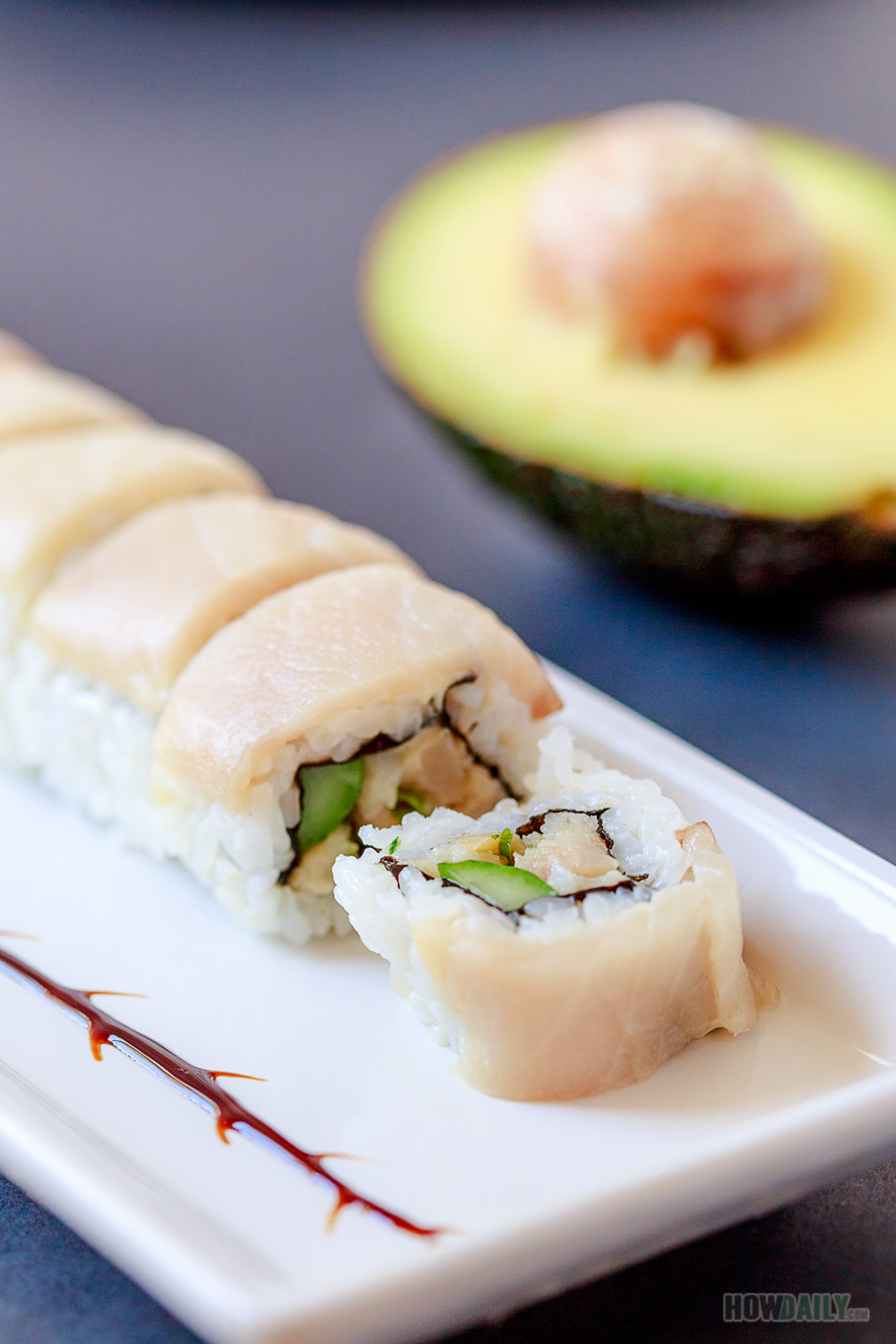 Spicy yellowtail negi hamachi maki sushi roll recipe for Yellowtail fish sushi