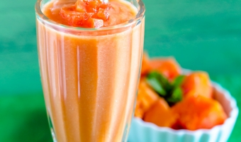 Vietnamese papaya smoothie