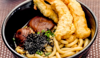 Japanese Tempura Udon Noodle Soup (Shrimp & Vegetable)