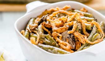 Green Bean Casserole with Creamy Mushroom Sauce & Crispy French Fried Onion