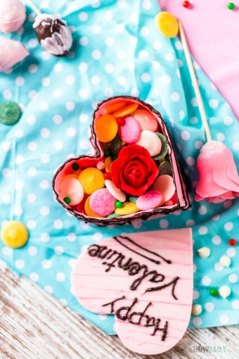 Valentine Gift DIY: Heart Shaped Chocolate Box Full of Strawberry Rose and Candies