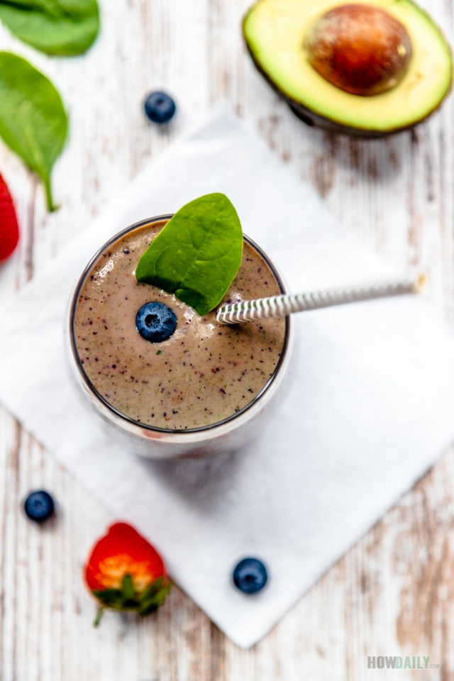 Berries spinach smoothie recipe on How Daily