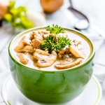 Creamy Chicken Mushroom Soup with Garlic and Onion