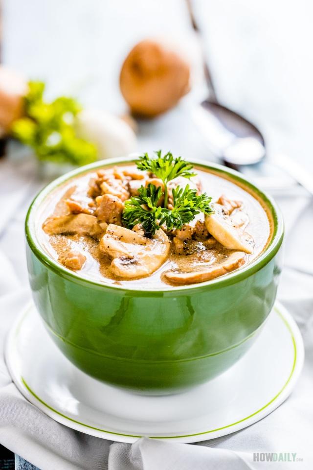 Healthy chicken mushroom soup