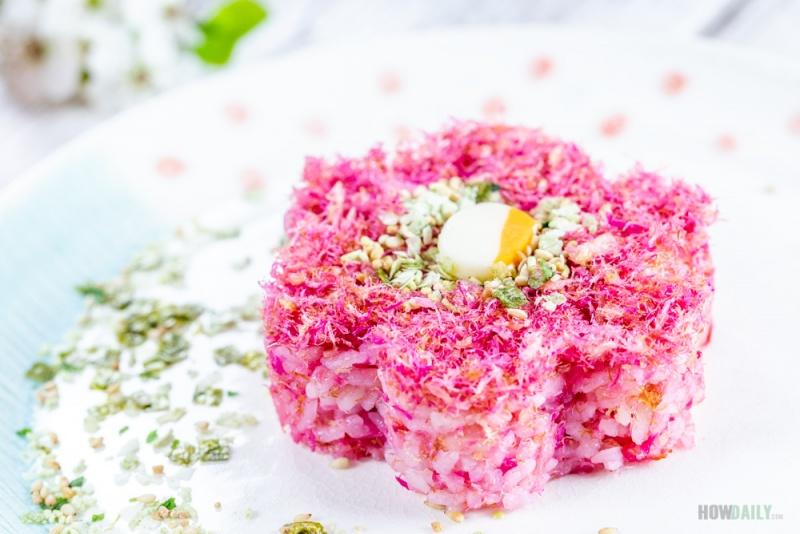 Rice ball with Sakura denbu