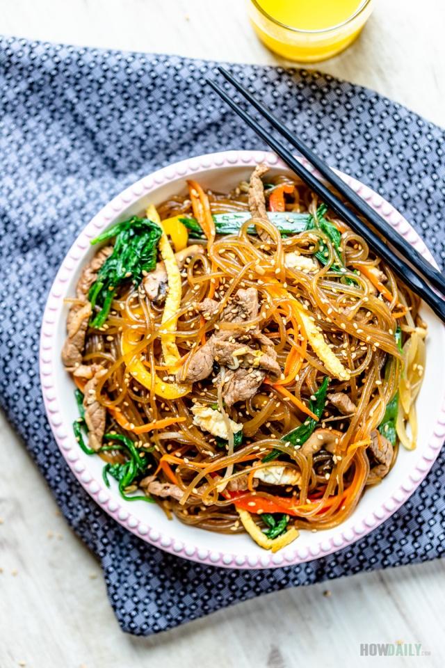 Korean Japchae Recipe by HowDaily