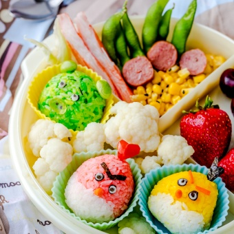 Back-to-school Lunch Box Featuring Angry Birds Trio Onigiri Rice Balls