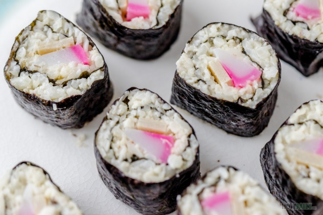 Cauliflower sushi roll