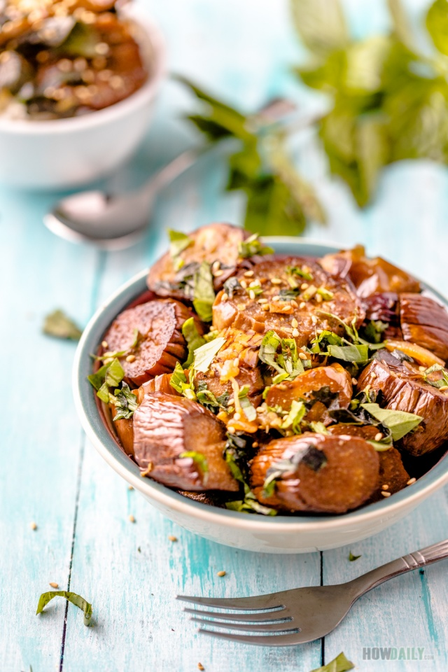 Eggplants stir-fry with basil