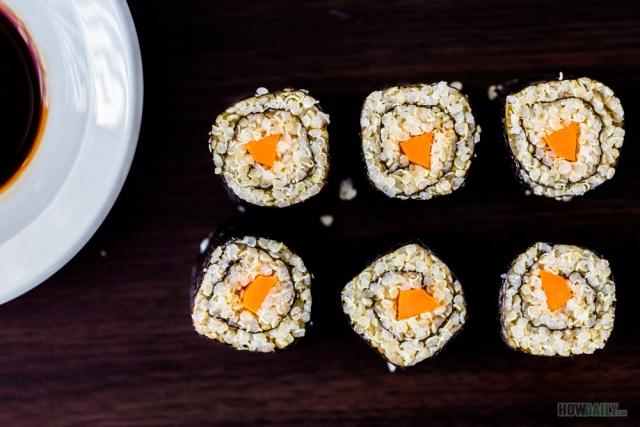 Quinoa sushi roll