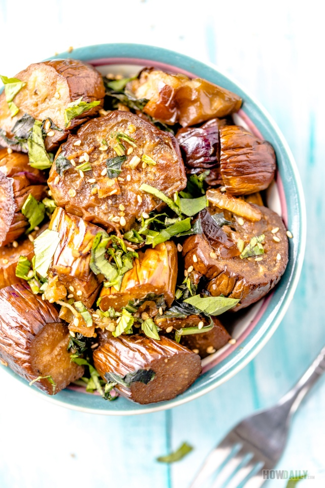 Vegan Eggplant Stir-fry With Basil and Soy Sauce