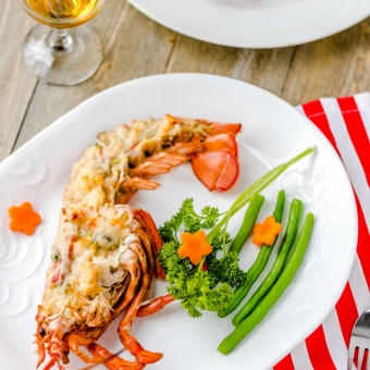 Lobster Thermidor by How Daily